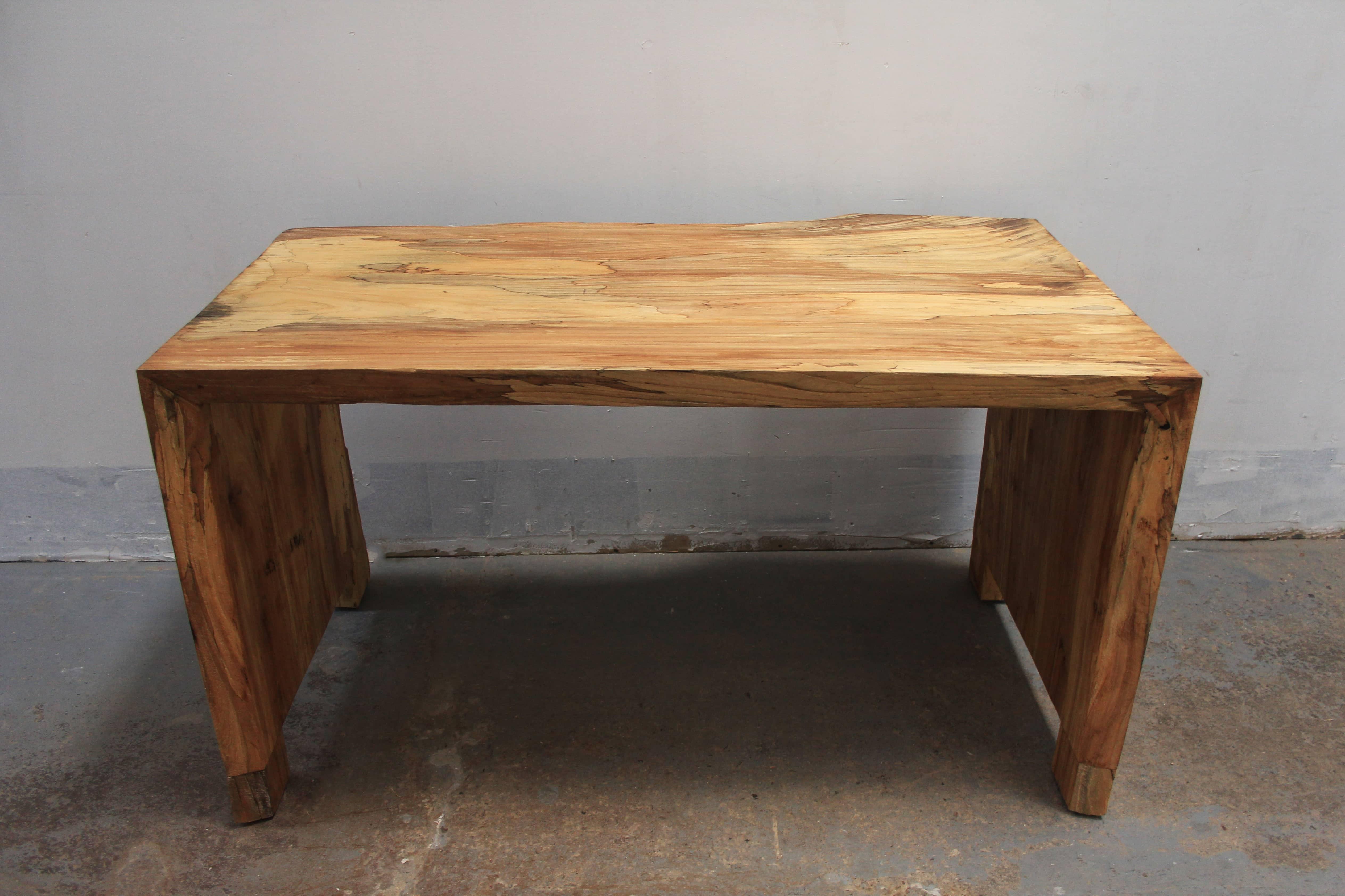 Sengara Desk
